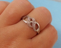 18K White Gold Plated CZ Twisted Infinity Ring (Size 9)