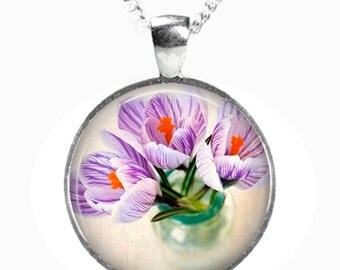 CROCUS - Glass Picture Pendant on Chain - Silver Plated (Art Print Photo AA6)