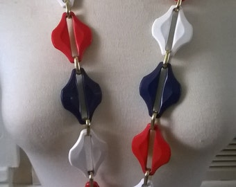 Awesome Vintage 1960s 1970s Red White & Blue Chunky Long Plastic Necklace with Gold Tone Links
