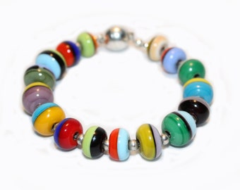 Bracelet coloré en verre  • Attache magnétique • Lampwork glass  • Multicouleur • Multicolor trending jewelry