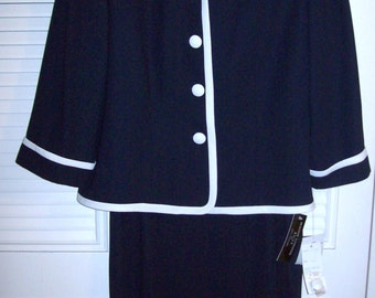 Vintage Maggy London Navy Suit , Beautiful Suit  Size 10  Wonderful career find !