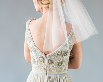 KIERA VEIL | single tier shoulder length veil, short veil, bridal veil, wedding veil, bridal illusion tulle, romantic short veil
