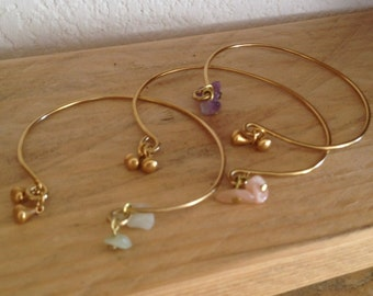 Opened bangle, brass, natural stones, hippie chic / boho / california style, different colors, custom
