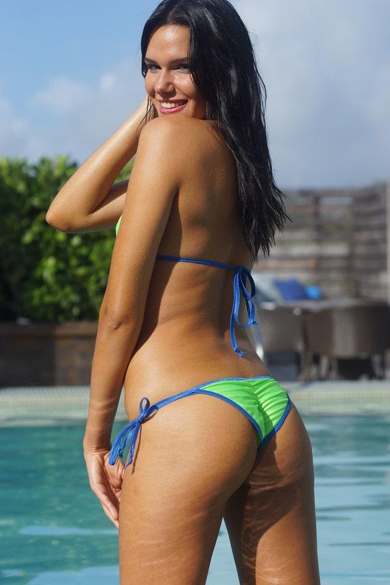 Sexy Butts In Bikinis