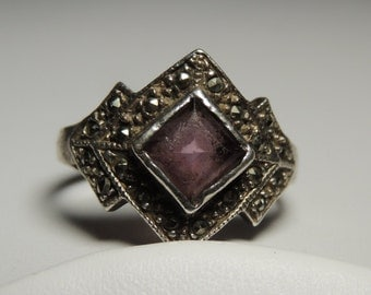 Marcasite Sterling Silver Amethyst Ring Size 8