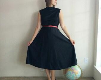 Vintage Classic Little Black Dress/70s Black Dress