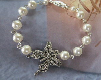 Vintage Butterfly Bracelet Pearl Jewelry Wedding Bridal Swarovski Custom made Crystal White Ivory Fashion Filigree Silver Handmade Charm