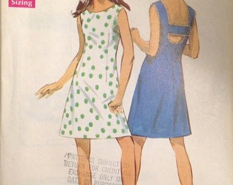 Simplicity 8183 - 1960s Simple to Sew Summer Dress with H Back Closing - Size 10