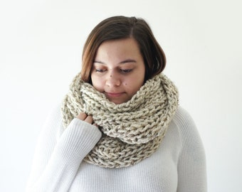 chunky cream knit infinity scarf, knitted wool ribbed cowl circle scarf / Ivy / Oatmeal