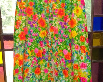 1960's boho front zip up with slit high waisted skirt with colorful hippy festival floral print size 4-6