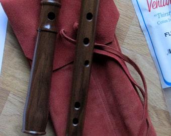Heritage Music Keyless Irish Tenor Folk Flute Solid Wood with Leather Woodwind Bag - Walnut Low D