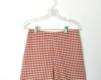 Vintage 60s Red Gingham Houndstooth Shorts Slightly elastic waistband / Size Small