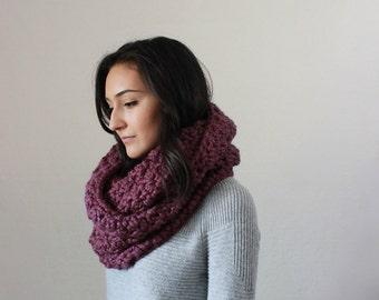 Chunky Infinity Scarf Knit Textured Cowl  // The Bourdon - FIG