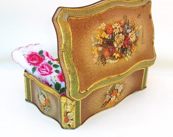 Vintage Metal Hinged Tin Floral Cookie Tin Lidded Storage Container Scalloped Metal Box Green Brown Flower Bouquet