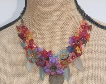 Autumnal Garland,Vintage Lucite Flower Statement Necklace,Jewel Tone,Lightweight,Bibstyle,Autumn Fall Colors,Unique Vintage Flower Necklace