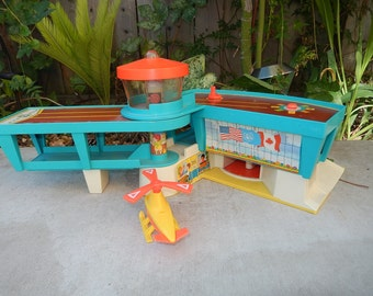 Fisher Price AIRPORT-996-Little People TOY-1972 Fisher Price-HELICOPTER landing pad-air traffic control tower-airport toy