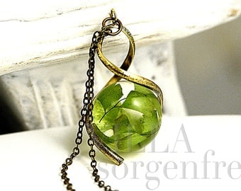 Real FERN twisted necklace. Maidenhair fern in resin orb in twisted bronze pendant and necklace. Ecofriendly nature jewelry for her..