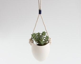 Blue+grey yarn rope planter