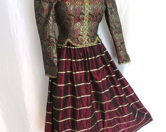 Vintage 80s tapestry dress, renaissance dress, womens costumes, evening wear, medieval dress, halloween dress