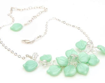 Mint Flower Necklace, Mint Wedding Necklace, Mint Glass Leaf Necklace, Mint Beaded Necklace, Bridal Jewelry, Nature Jewelry, CPJ N496