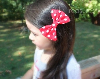 Red Polka Dot Fabric Hairbow. Minnie Mouse Hairbow. Girls Polka dot Headband. Girl Headband. Back to school. Photo Prop. Fabric Bow.