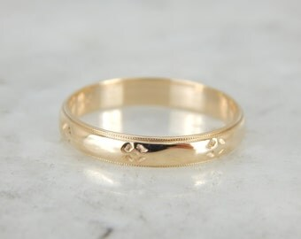 Forget Me Not Wedding Band in Yellow Gold KHKV21-D