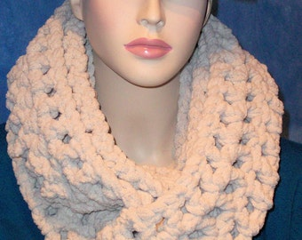 Oatmeal Crochet Infinity Scarf, Oatmeal Chunky Infinity Scarf, Chunky Crochet Infinity Scarf, Chunky Scarf, Winter Scarf, Infinity Scarf