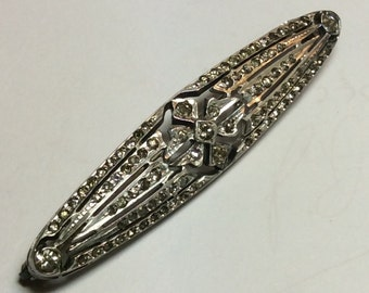 Vintage sterling silver bar pin with clear stones