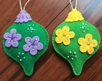 Felt christmas ornaments- Set of 2