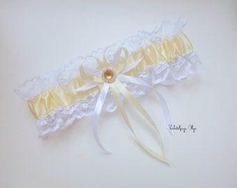 Wedding garter / bridal garter / ivory / white