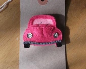 Felt beetle car brooch pink