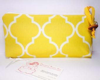 Yellow Quatrefoil Zipper Wet Bag, Toiletry Bag, Cosmetic Pouch, Lunch Bag, Makeup Bag, Reusable Feminine Pads, Cosmetic Bag, Waterproof Bag