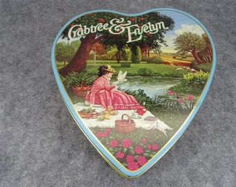 Crabtree & Evelyn Vintage Heart Shaped Tin Container