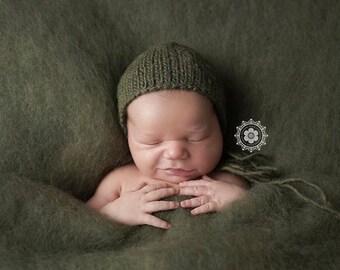 Dark Olive Colorblend Fluff - Newborn Photo Prop - green Christmas wool batting - basket stuffer - layer