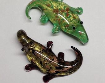 The CROCODILE: Murano glass pendant in the shape of a crocodile. 2 colors.