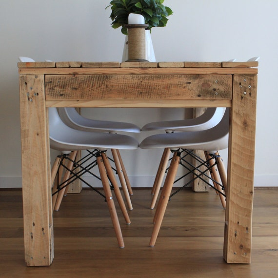 Pallet dining table for Pallet dining table