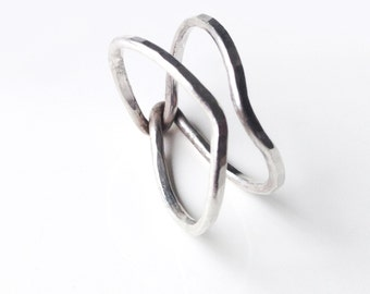Minimalist & geometric ring. Sterling silver.