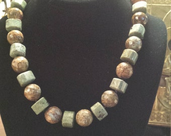 One strand Chrysophrase beaded necklace