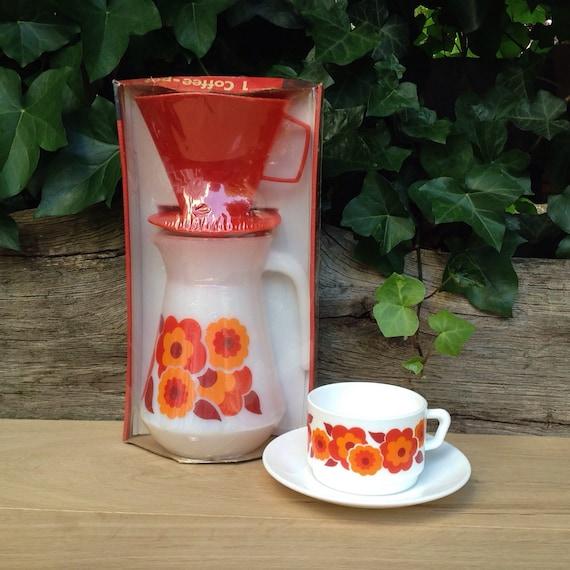 Drip Coffee Maker Plastic : Vintage Arcopal Lotus Drip Coffee Maker Pot With Red Plastic