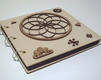 DREAMCATCHER - anniversary Gift: Wood covered scrapbooking photo album, topped with our free, unique custom-made personal engraving service