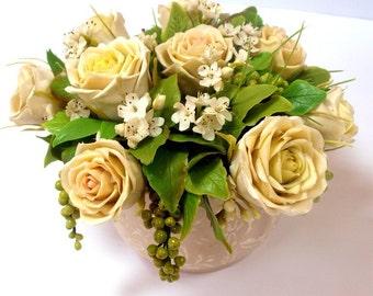 flower arrangement - decoration of roses, table centerpieces, flower design, bouquet of roses, original gift