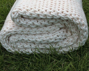 Super Chunky Wool Blanket / Wool Throw / Made to Order / Wolldecke / Tunisian Crochet Blanket /