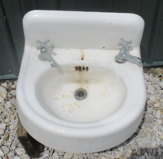 Antique Porcelain Bathroom Lavatory Kitchen Sink Cast Iron Vintage White Porcelain Sink Cast