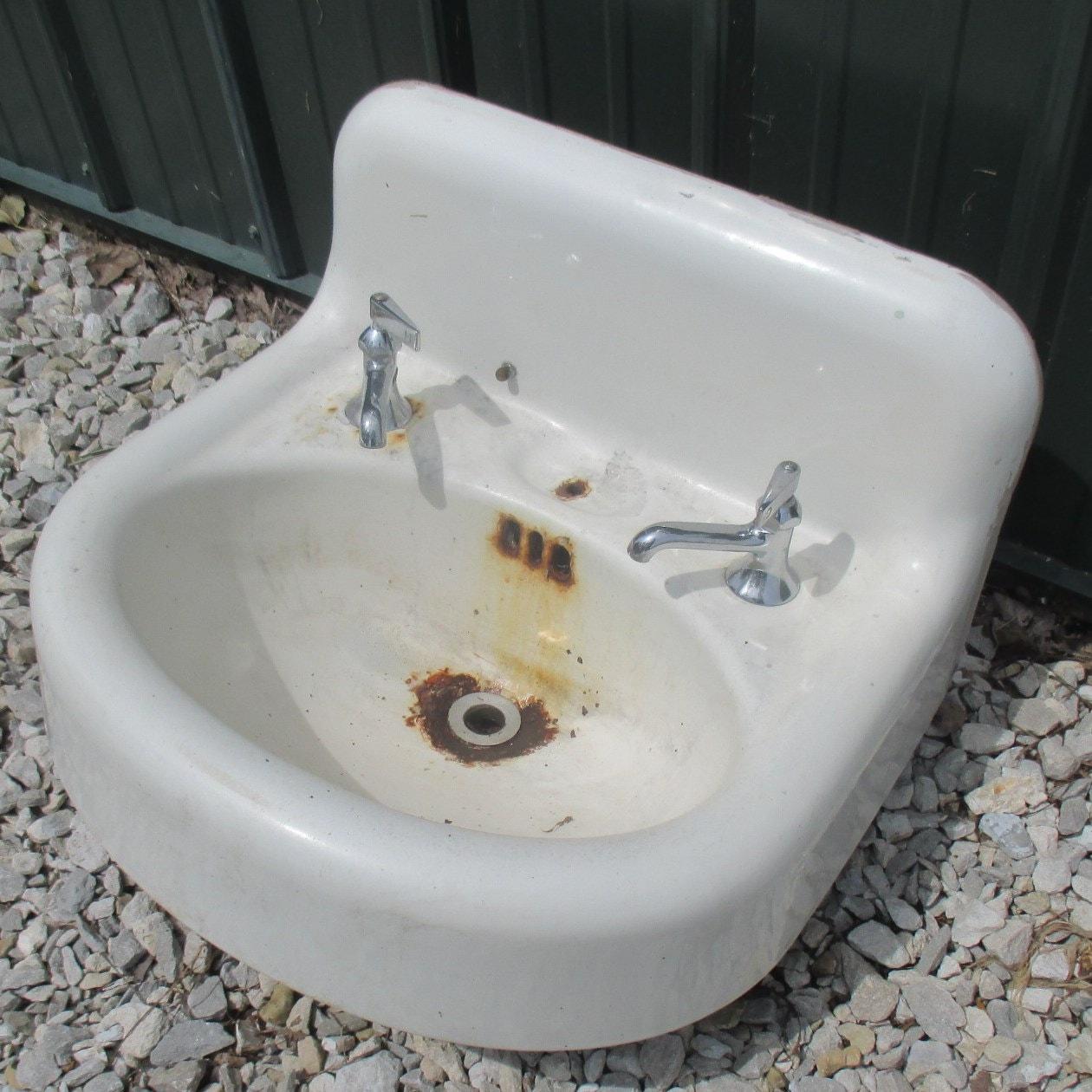Antique Porcelain Bathroom Lavatory Kitchen Sink Cast Iron