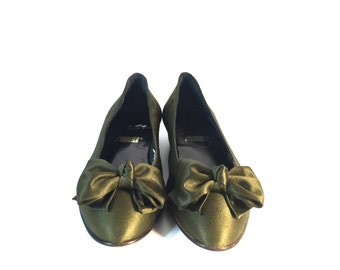Vintage Designer, Never Been Worn, Army Green Slip-On Ballet Satin Flats with Bowtie by Allure, Size 9AA