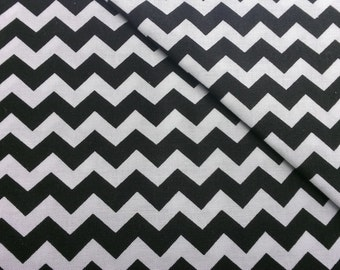 Timeless Treasures. Z1G C1397 White and Black zig zag stripes