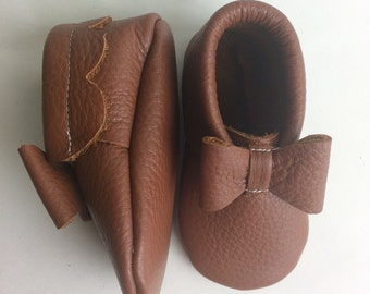 Camel Brown Leather Baby Moccasins with Bows, Baby Moccasin, Soft Soles, Crib Shoes, caramel