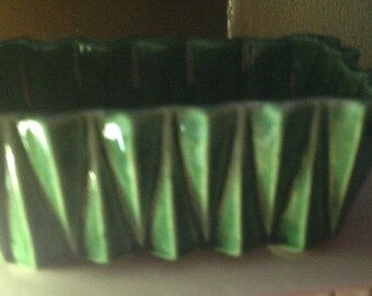 Green Mid Century Planter made by Upco Roseville , 0hio