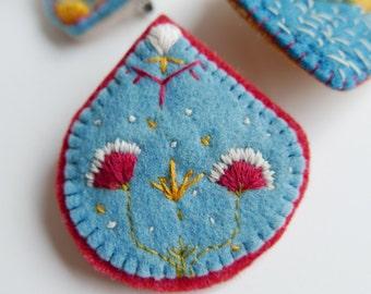 Oriental flower brooch