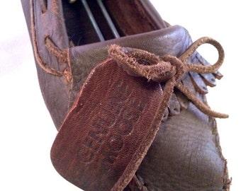 Vintage Minnetonka Moccasin 7.5 W GENUINE MOOSE Dark Brown Loafer Soft Leather RARE Hard Bottoms Slip On